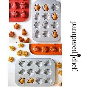Set/2 Pampered Chef Baking Pans - Fall / Holiday
